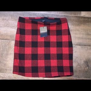 NWT red and black forever 21 mini skirt size M